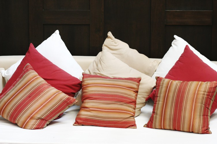 prix confection coussin. Black Bedroom Furniture Sets. Home Design Ideas
